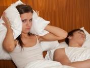 αϋπνία από ροχαλητό